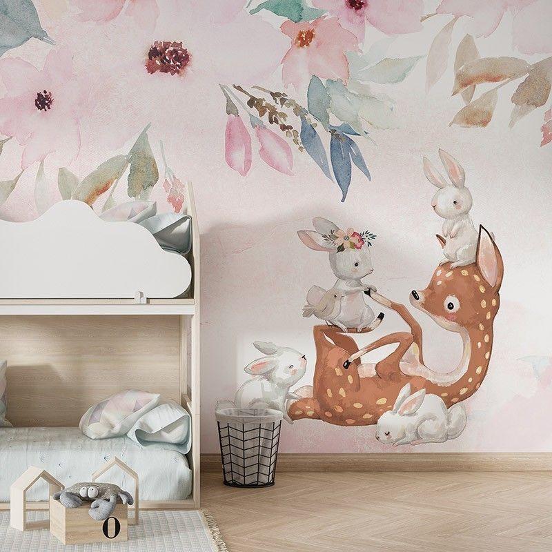 Fototapeta Bajkowe zwierzątka bawiące się wśród kwiatów sarenka i zajączki